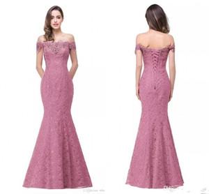Barato de encaje completo fiesta larga rosa vestidos de noche 2017 sirena fuera del hombro barco bordado cuello vestidos de noche de encaje Vestido De Renda