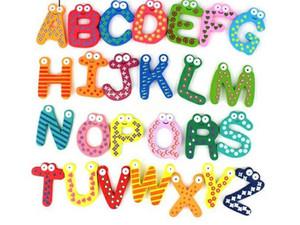 Animales de madera 26 Letras Imanes de Nevera Hogar Jardín Decoración Animal A-Z alfabeto Madera imanes de refrigerador 26 unids / bolsa D3649