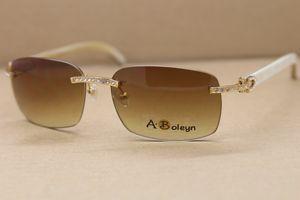 الجملة بدون إطار الأبيض بافالو القرن نظارات الرجال الكبار الماس T8200497 نظارات C الديكور الذهب إطار نظارات الحجم: 58-18-140mm