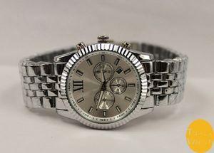 Spedizione gratuita Hot vendita stile standard Qualità Giappone Movimento M Orologio con diamante + 4 colori disponibili standard M orologio in metallo con