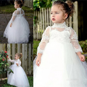 Vintage White Flowen Girl Vestidos para bodas Encaje Cuello alto Mangas largas Bebé Primera Comunión Vestidos Tulle Piso Longitud Pago Pago