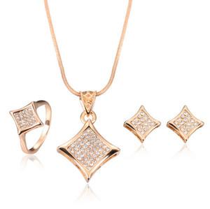 18KGP Kolye Küpe Yüzük Setleri Moda Tam Rhinestone Kristal Gelin Jewlery Setleri Kadınlar Güzel Takı CAL1097B