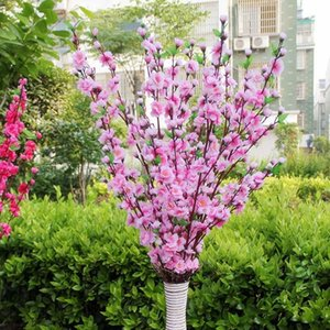 115 CM de altura Artificial Cherry Spring Plum melocotón Blossom Branch Silk Flower Tree para la decoración del banquete de boda color blanco rosado rojo