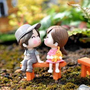 3pcs / Set Bench amantes Sweety Casal Figurines Miniatures Fairy Garden Gnome Moss Terrariums Handmade Artesanato Decoração Acessórios DIY Zakka
