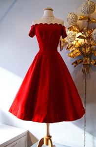 Retro 1950 Stil Gelinlik Modelleri / Vintage 50 Kırmızı saten Off-Omuz Parti Elbise Kısa Kollu Çay Boyu Mezuniyet Elbiseleri 2015