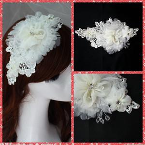 Moda Europea 2015 Accesorios nupciales del pelo de la boda Crystal Adorned Flores nupciales Headwear White Headwear Tiaras Made In China