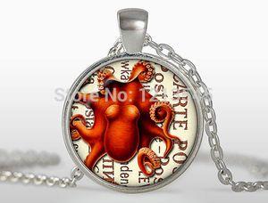 Ciondolo polpo Steampunk rosso ciondolo in argento placcato vetro cupola collana di fascino collana di foto d'arte per gioielli donna n320