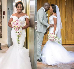 Fora do ombro vestidos de casamento de praia 2018 rendas e mangas de tule cap vestido de casamento da sereia contagem trem africano barato vestidos de noiva