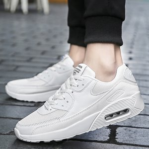 Wholesale new style couple sports casual shoes running trendy shoes large size men women autumn breathable shoes white black sneakers
