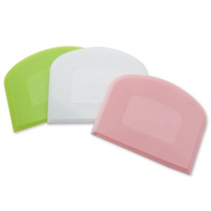 PP Plastic Scraper Baking Utensils Mesh Cake Cream Scraper Arched Rice Noodle Cutter