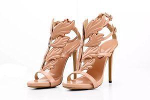 2019 Venda Quente De Ouro De Metal Asas Folha Com Tiras Vestido Sandália De Ouro Gladiador Sapatos De Salto Alto Mulheres Metálicas Sandálias Aladas