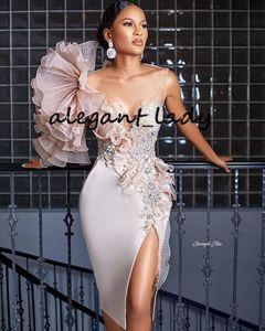 Stili Aso Ebi pizzo Prom Dresses 2020 abiti Sheer Collo increspature bordato fiore di cristallo sexy fessura sera partito di spettacolo