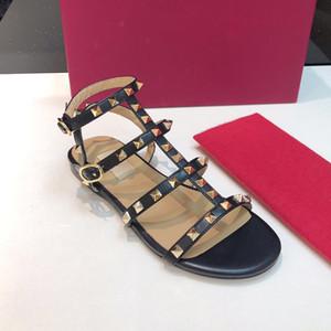 Piso remache Alpargatas 2019 Nuevo diseño de lujo de las mujeres populares sandalias de los zapatos ocasionales del cuero deslizadores planos de gran tamaño flip-flop 41 42 con la caja
