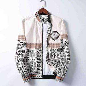 2020 New Men's Designer Jacket Designer Jacket Newly Produced Lettered Hooded Jacket Windbreaker Zipper Men's Sportswear Top Clothes M-3XL