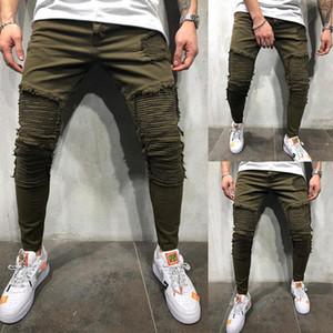 Hombres con pliegues vaqueros de diseño de moda verde del ejército rasgado los pantalones del lápiz 20ss Nueva informal Homme pantalones largos