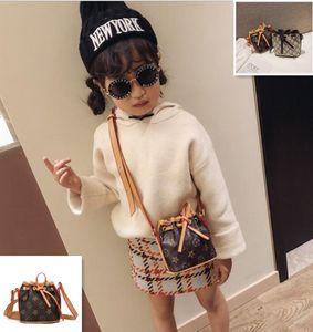 Heißer verkauf umhängetasche kinder handtaschen mini print designer geldbörse umhängetaschen baby teenager kinder mädchen messenger bags