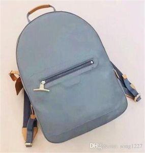 Маленькая сумка через плечо 2019 года. Модные особенности ткани, небольшая форма, много места, дизайн нескольких карманов.