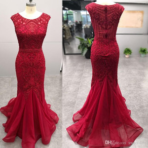 Red Mermaid Evening Party Dress 2019 Lungo Close Back senza maniche in rilievo Ricamo cerimonia formale Prom Party Gown Immagine reale