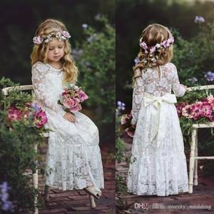 2020 Langarm Boho-Blumen-Mädchen-Kleider für Hochzeit bodenlangen Spitze Kleine Kinder Erstkommunion Kleid Weinlese Günstige Festzug-Kleider
