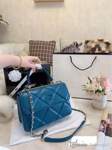 Pacote de alta qualidade Mensageiro Vintage de couro genuíno Handbag Mulheres 2020 nova cadeia ombro inclinado Balde sacos de mulher Lambskin Ling