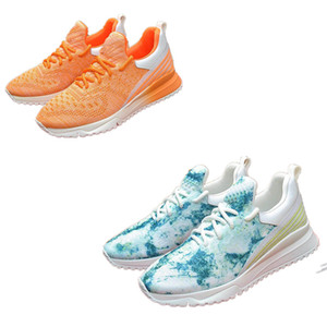 2020 new solid color outdoor men and women mesh casual shoes embossed breathable sneaker soft and comfortable