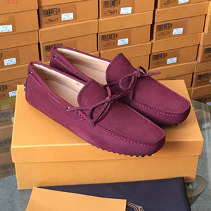 Gommino Driving Shoes in velvet suede with iconic rubber pebble outsole New Fashion Casual Men Plat shoes Bussiness Party Office Loafer