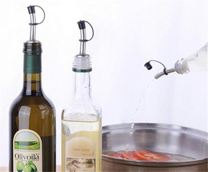 Hot Dining Bar Stainless Steel Liquor Bottle Pour Pourer Cap Wine Spout Dispenser with Covers for Bars KTV Hotel Birtyday Party