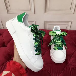 2020 New luxury fashion original designer Crystal Shoes Bees Embroidered Fashion Shoes Top Arrow Women Leisure Sports Shoes fd0521