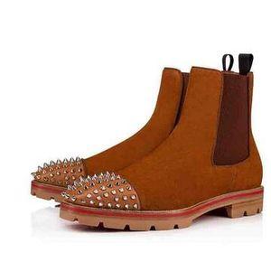 أحمر 2019 نمط جديد أسفل الرجال حذاء رياضة حذاء المسامير من جلد الغزال جلد أحمر أحذية الرجال الوحيدة السوبر مثالية البطيخ للدراجات النارية التمهيد الكاحل للرجال الشهيرة