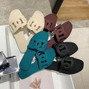 Sandali di estate all'aperto nuovo studente scarpe piane di moda online sandali maiale rosso scarpe naso piatto donna