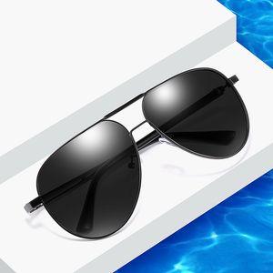 occhiali da sole di moda classica rossa occhiali da sole polarizzati degli uomini di grandi occhiali da sole serie netti XY193 guida specchio trasporto libero all'ingrosso