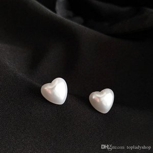 Temperament simple personality fashion fresh and lovely white smooth heart shaped peach heart mini stud earrings