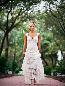 White Full Lace Wedding Dresses Country Style Pluging V-neck Cap Sleeves Keyhole Back A Line Vintage Custom Made Bridal Gowns