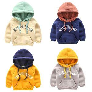 Мальчики Плюс Velvet согревающих свитер 2018 осени и зима Новых Детей с капюшоном Одежды для младенцев мальчиков Утолщение с карманом пальто