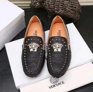 2019 Mens Luxury Mock Croc Designer Dress Shoes White Black Chain Leather Casual Loafers Men Fashion Oxford Shoes With box