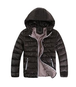 Marca niños chaqueta abajo Junior Designer invierno Pato Escudo Pad Coats las muchachas del muchacho encapuchado Outwear Cara Ligera al aire libre F8805 Escudo