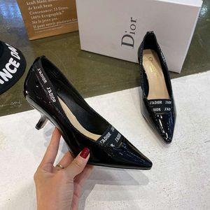 Moda feminina Salto Alto Sapatos única senhora Preto sapatos fita moda Causal costa 0107205