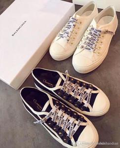 AAABlack Beyaz Platformu Klasik Günlük Ayakkabılar Günlük Spor Kaykay Ayakkabı Erkek Bayan Sneakers Kadife Heelback Elbise Ayakkabı Spor Tenis