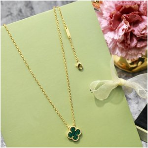 Silver Four Leaf Clover Necklace Pendants Rose Gold Chain Chokers Black Green Red White Gemstone Jewelry Accessories Luxury Designer Jewelry