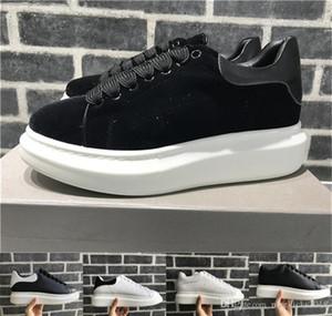 2018 Black Velvet Hommes Femmes Chaussures Chaussures Belle Chaussures plateforme Casual Luxury Designers Chaussures en cuir Couleurs solides Chaussures de