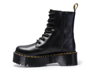 Venda quente nova marca Black Leather Patent Botas For Women Lace Up Plataforma Botas Mulheres inverno quente Plush Botas Mulheres Street Style Shoes