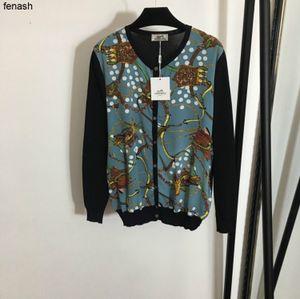 2020 storm fashion new style belt retro printing Knitting long sleeve cardigan Silk Leisure beautiful comfortable T-shirt 040501