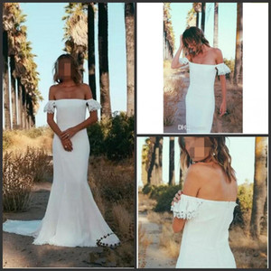 2019 New Country Bohemian Wedding Dresses Sexy Off Shoulder Lace Wedding Dress Cheap Sweep Train Mermaid Beach Bridal Gowns