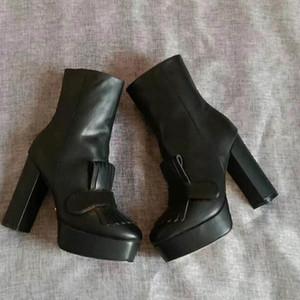 Estrella de la moda de cuero mujer botas de mujer zapatos de cuero botas de invierno corto otoño tobillo zapatillas sapatos Femininos SAPATILHA zapatos mujer41