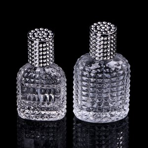 Nouvelle bouteille de parfum en verre portative d'ananas de style avec le jet vide avec l'atomiseur les bouteilles rechargeables 30ml 50ml