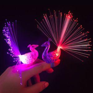 Karikatür Peacock Parmak Yüzük LED Işıklı Halkalar Parlak Halkalar Gece Glow Oyuncaklar Hediyeler sönen