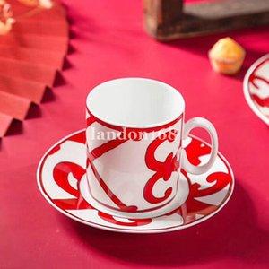 Alto nível Bone china copo de café e pires vermelho chinês Jogo de café cerâmico copo de chá e pires de casamento presente