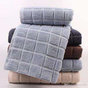 면 큰 목욕 수건은 고품질의 성인 두껍게 물 흡수가 부드러운 피부 친화적인 3D lattice 목욕 수건을 새로운 스타일의 공장 직접적인 판매