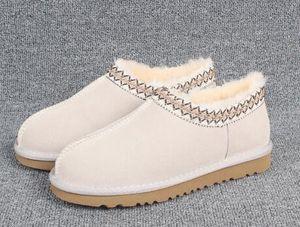 Venta caliente- Botas de mujer Hombre Hombre Botas de invierno clásico Botas de nieve Negro Tobillo de nieve Zapatos de deslizamiento de invierno Explosiones Tamaño 35-43
