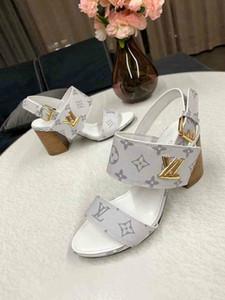 Brand New sapatos de luxo Senhoras Tornozelo-Envoltório Sapatos 2019 Sandálias de Gladiador Do Verão Mulheres sandálias de Salto Quadrado Sapatos de Festa de Casamento Senhoras Sandálias